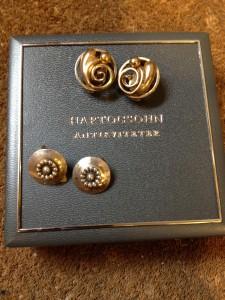 Øreclips af sølv og forgyldt sølv. Stort udvalg af øreringe med clips og skruer.