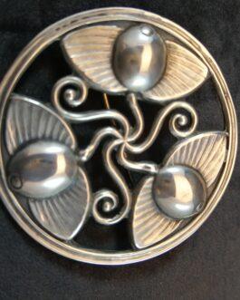 Sølvbroche af Erik Louis Arvig